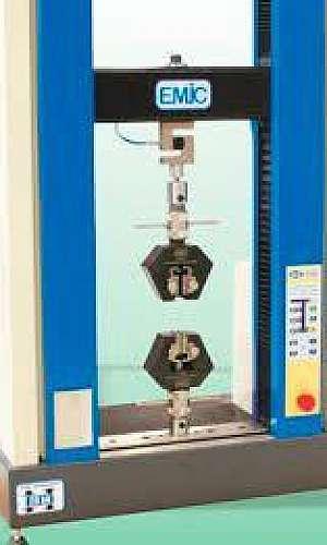 Máquina universal de ensaios EMIC